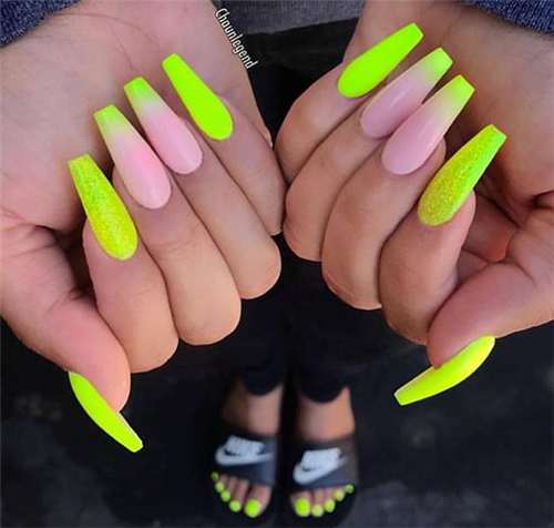 The Ombre Coffin Nails Design Are So Perfect For 2019 Spring And Summer Ombrenails Coffinnail Ombre Acrylic Nails French Tip Nail Designs Pretty Acrylic Nails
