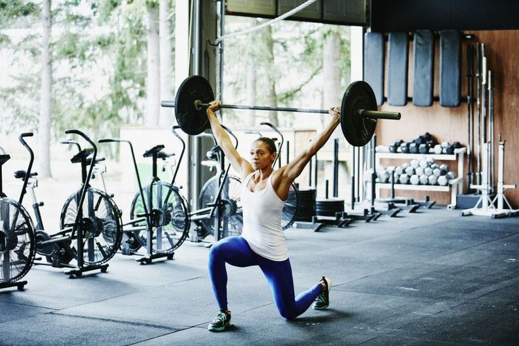 What is the difference between powerlifting and weightlifting? Fitness trainers answer the most goog...