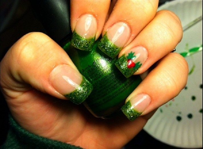 45 Fantastic Christmas Nail Art Ideas & Designs
