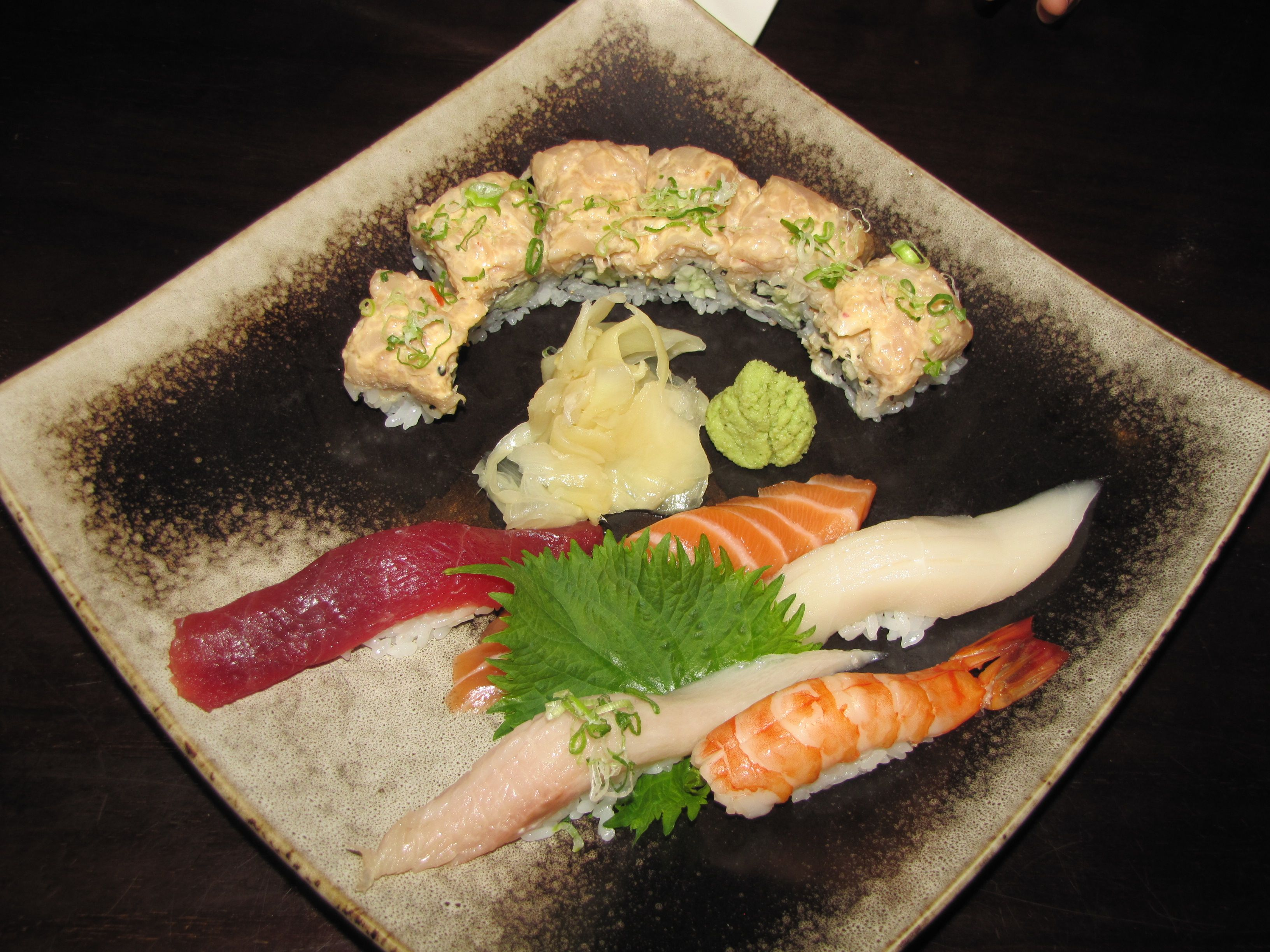Lunch Hot Spots Aozora Modern Sushi In Montclair Hot From The Kettle Lunch Sushi Food Photo
