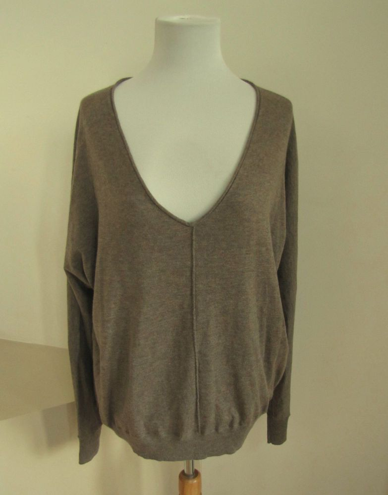 Gap Sweater L Dolman Sleeve Low V-neck Relaxed Taupe brown Cotton Wool Fine  #GAP #VNeckSweater #SaveonYourStyle