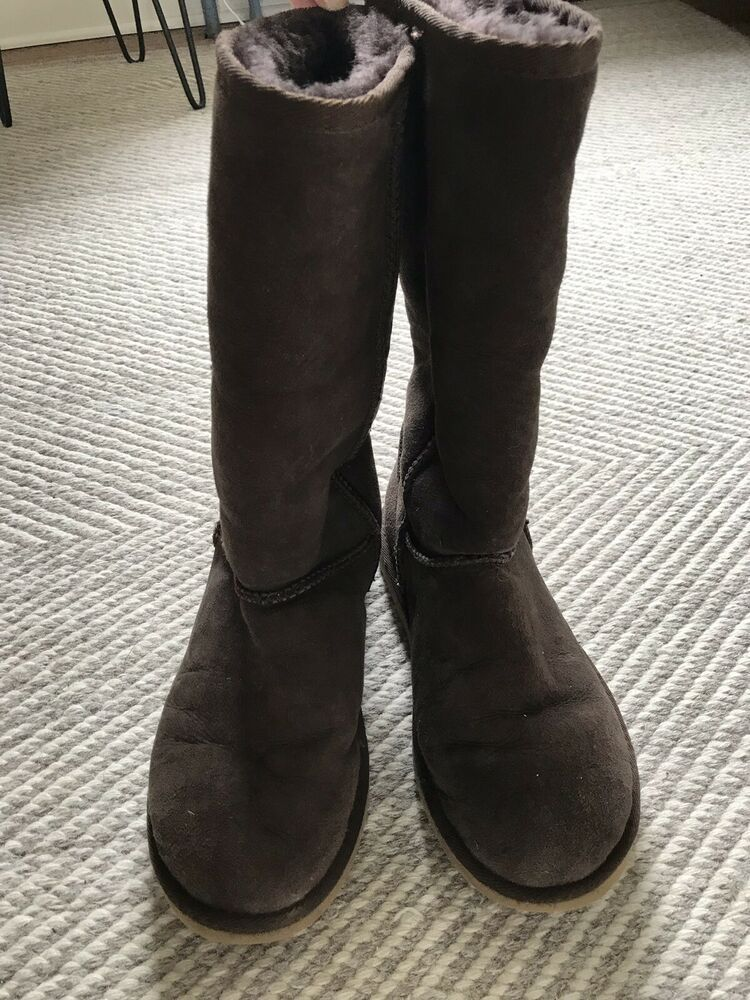 e363188cef3 UGG Classic Tall Womens Sherpa Boots Chocolate Brown Womens 8 ...