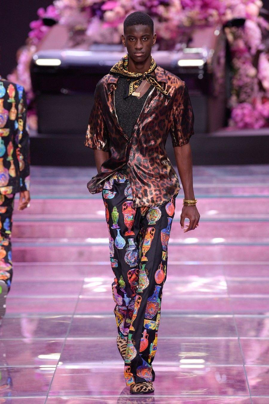 Versace Spring 2020 Menswear Photos   Menswear runway ...
