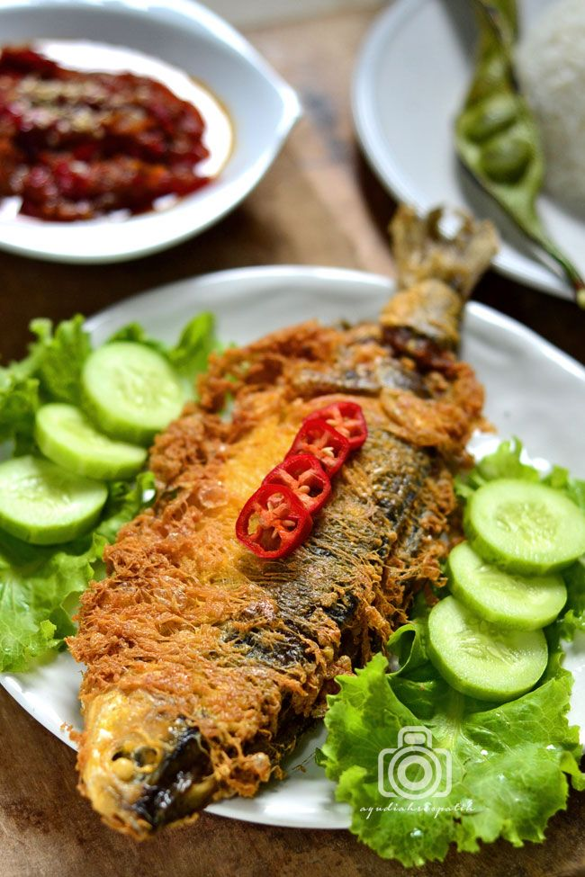 Bandeng Presto Dan Sambel Terasi Wijen Masakan Makanan Dan Minuman Fotografi Makanan