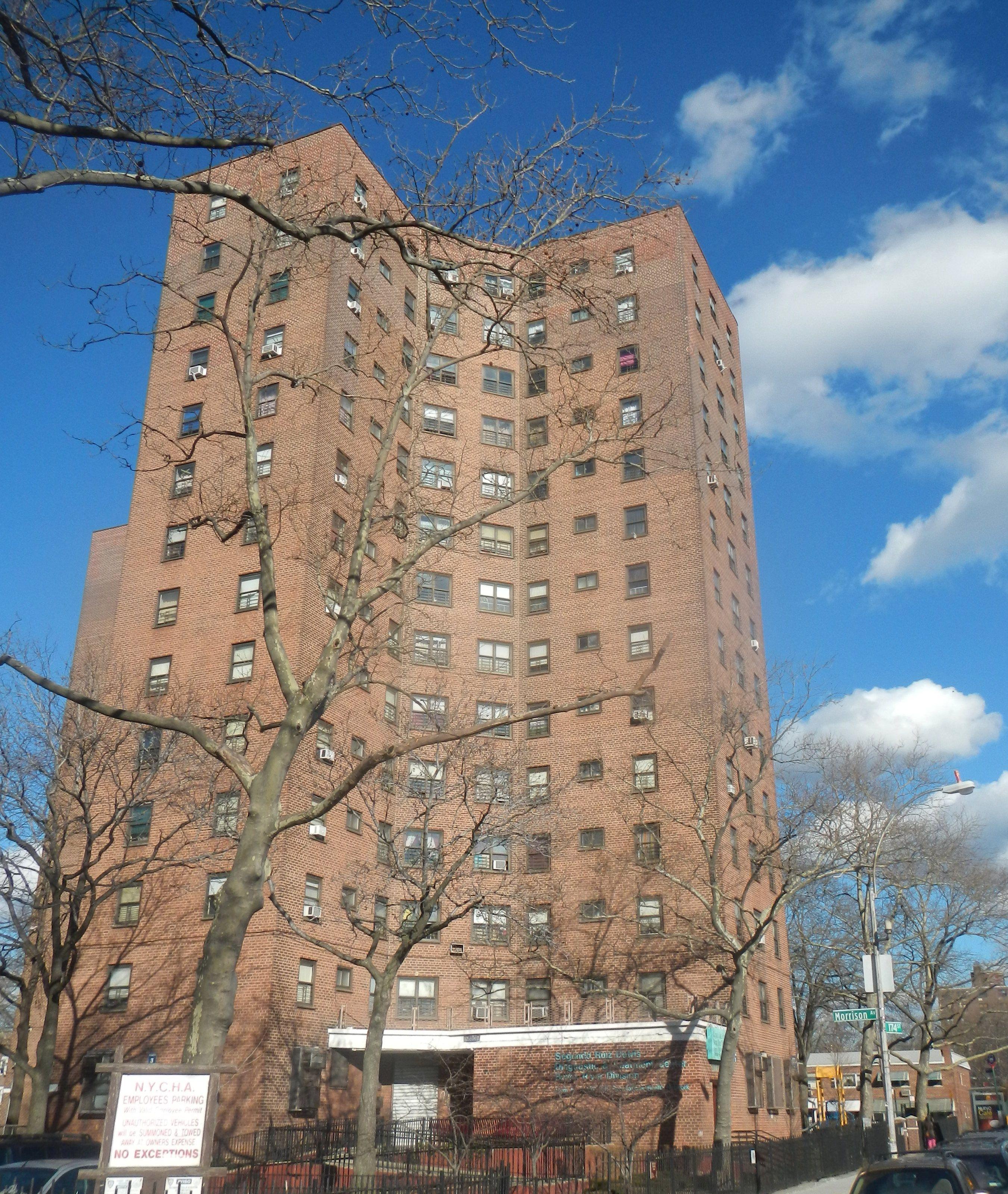 River Park Apartments Bronx: Bronx_river_NYCHA_sun_jeh.jpg (2701×3200)
