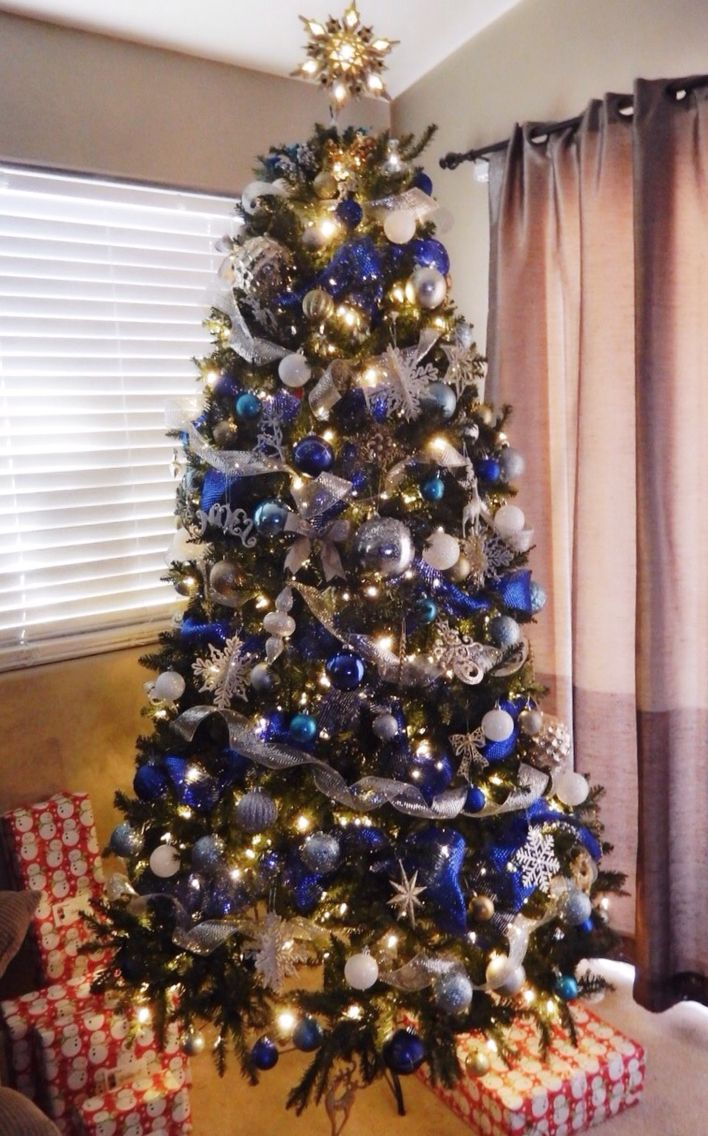 Christmas Tree Blue Silver White And Gold With Mesh Ribbon Blue Christmas Tree Decorations Ribbon On Christmas Tree Silver Christmas Tree
