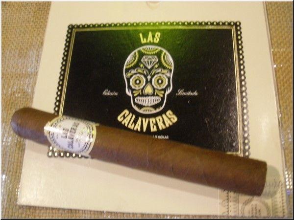 El Fumador Las Calaveras Edicion Limitada 2015 LC46 Corona Gorda