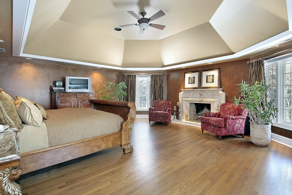 50+ Master Bedroom With A Fireplaces | White Mantle, Large Bedroom And  Black Coffee Tables