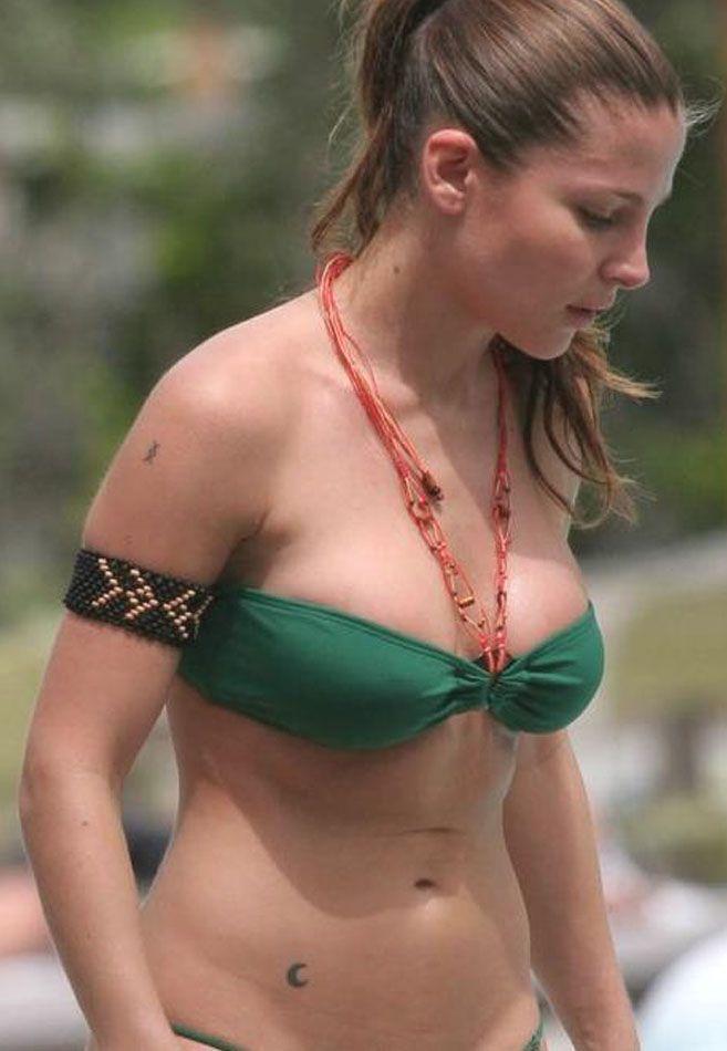 Sexy elsa tattoo