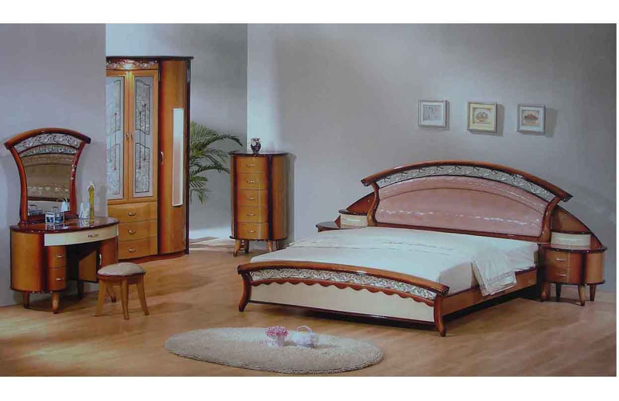 Wooden bed furniture design - Striking Bedroom Furniture Designs In Classic Design Ideas Made From Wooden Material For Inspiration To Your House