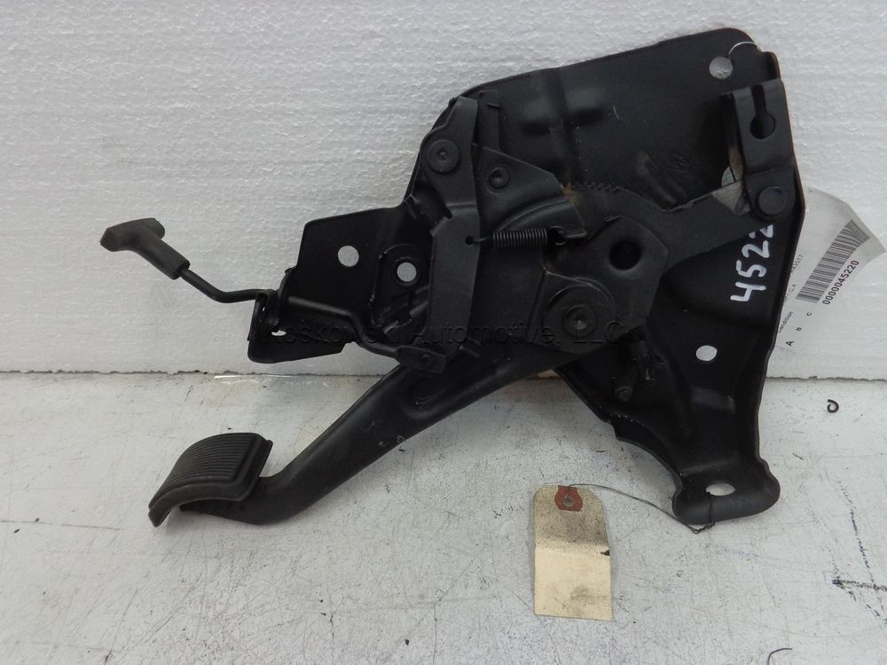 Ford  Ranger Parking Brake Pedal Assembly  Broncoii 88 89