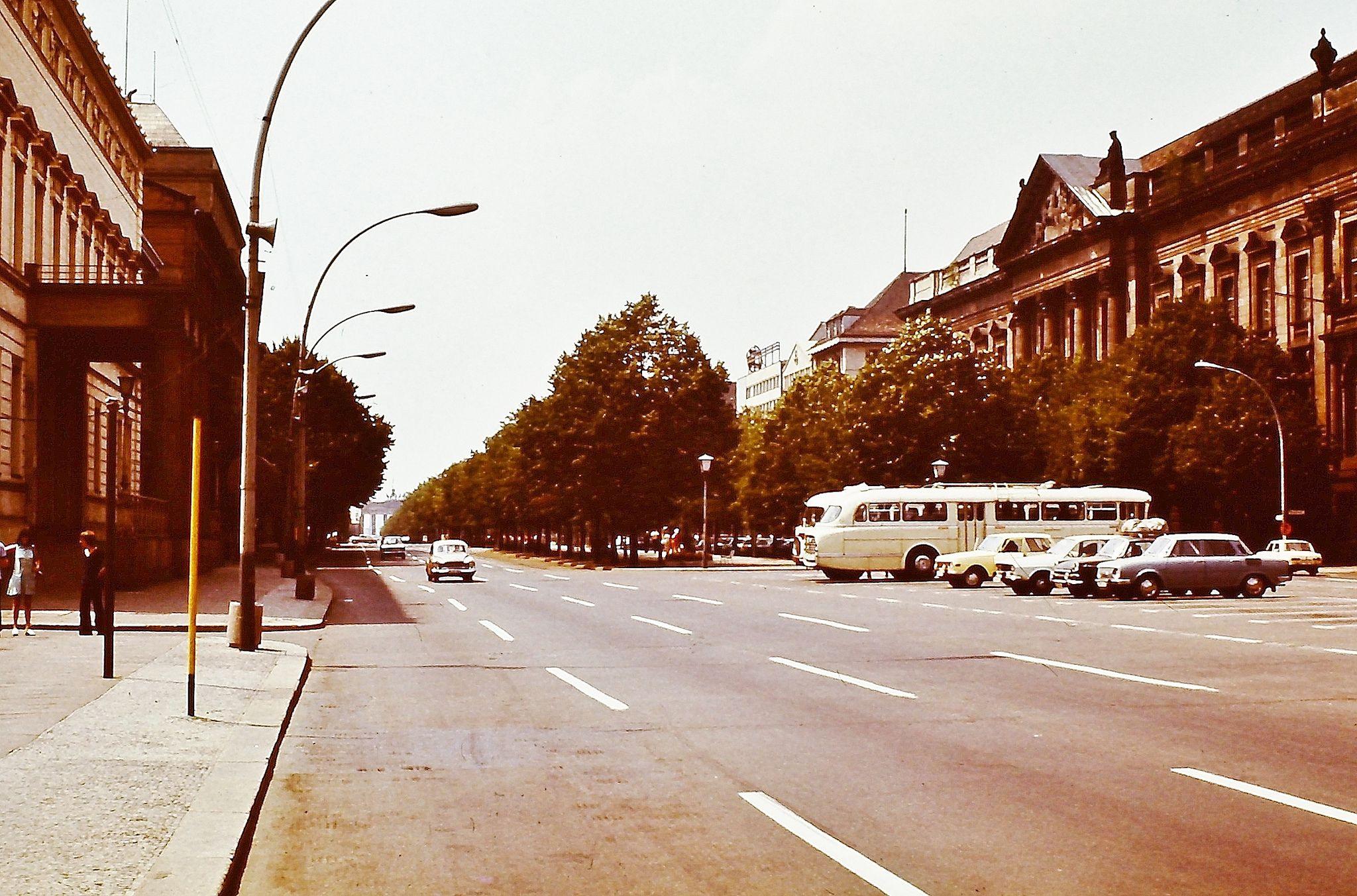 Berlin 1973 Unter Den Linden Berlin East Berlin Berlin Germany