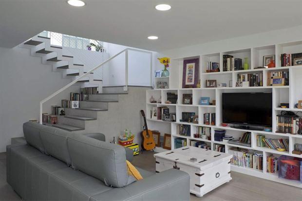 El mejor diseño para una escalera  Escalones de cemento, muy actual y de bajo costo.         Foto:www.archello.com