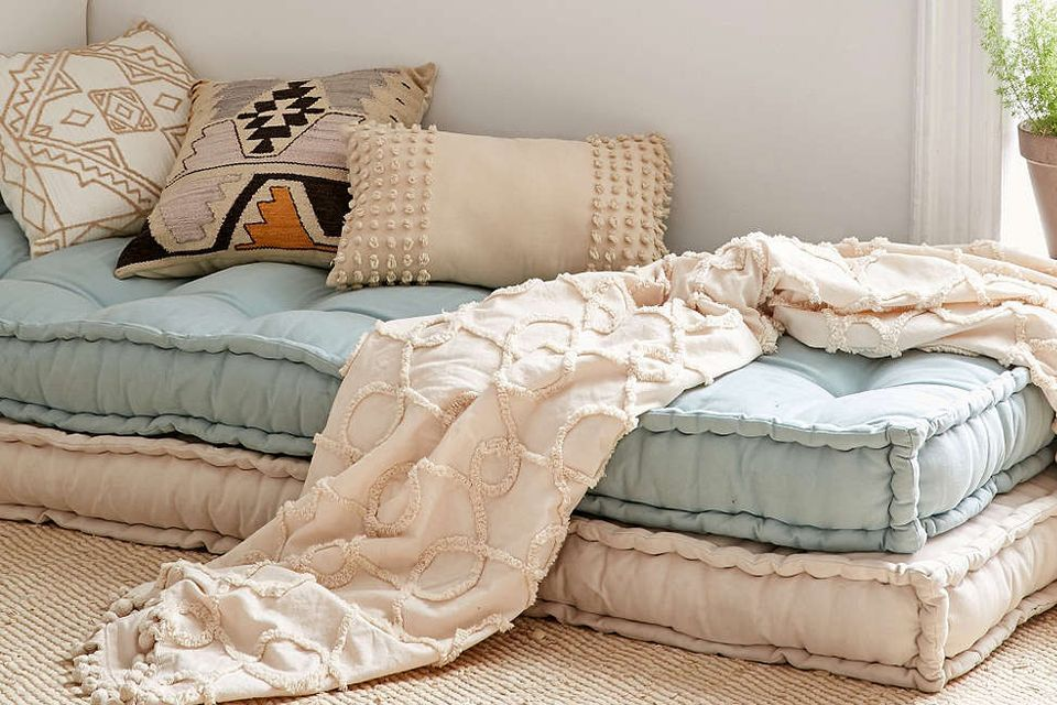 8 portable floor beds perfect for small