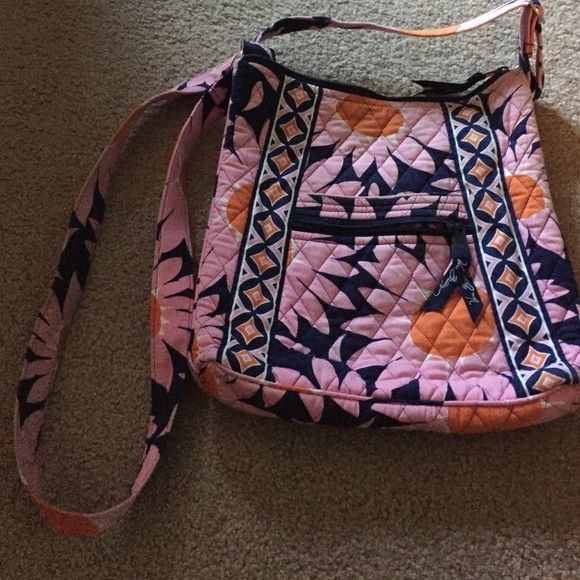 Vera Bradley hipster Hipster style Vera Bradley purse. In good condition, non-smoker house. Vera Bradley Bags Crossbody Bags