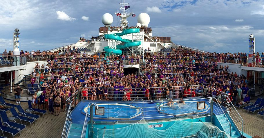 And they're off!  This is only half of the 3000ish Younique Presenters & their families who worked like crazy to get on this cruise to #Jamaica. #FillTheBoat #Younique