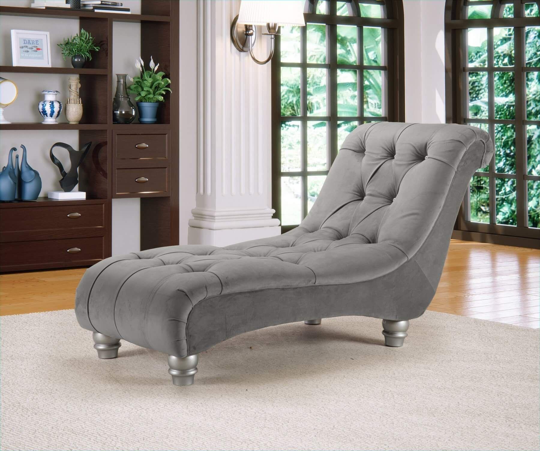 Light Grey Velvet Chesterfield Chaise Lounge In 2020 Chaise Lounge Velvet Chaise Lounge Grey Velvet Sofa
