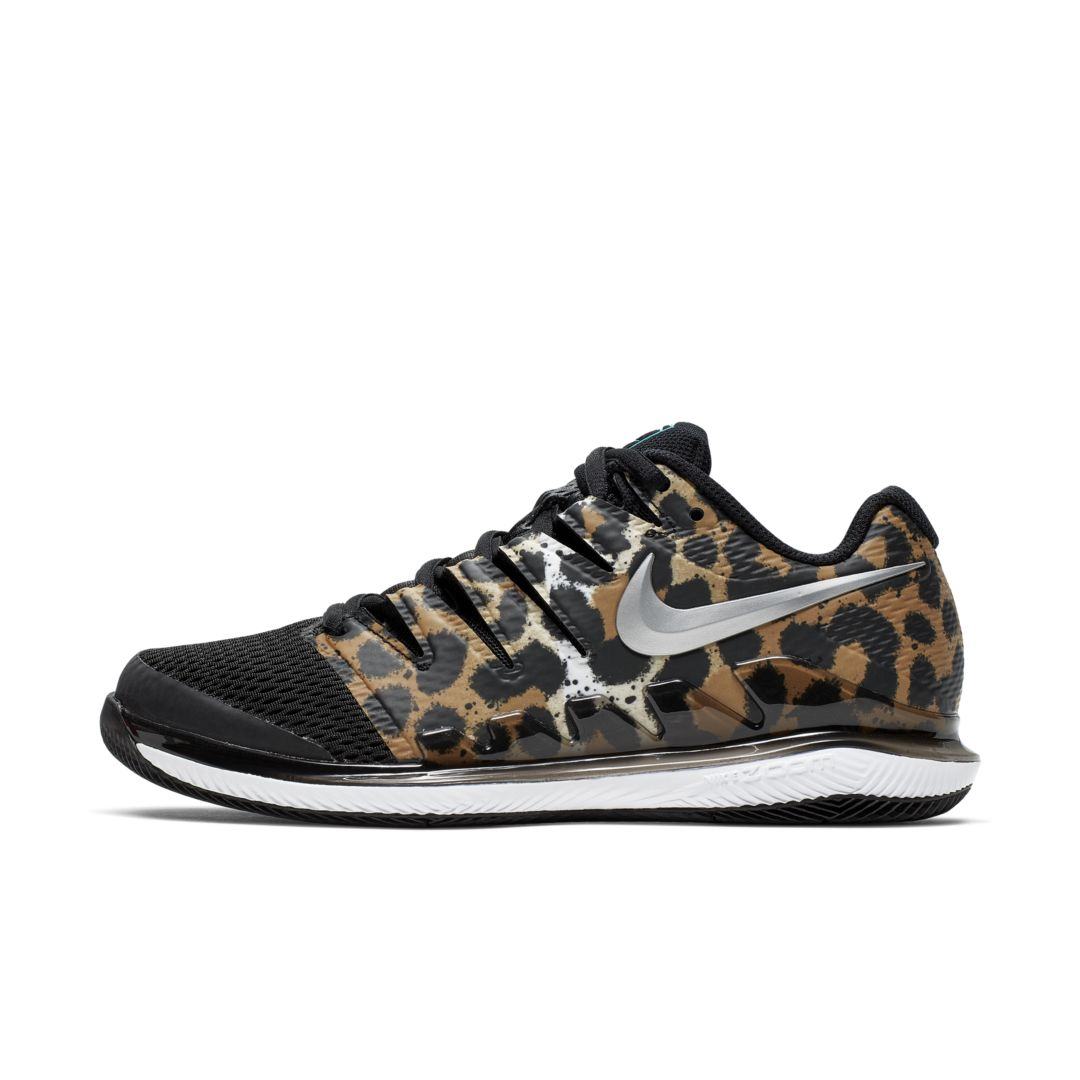 Hard Court Tennis Shoe. Nike