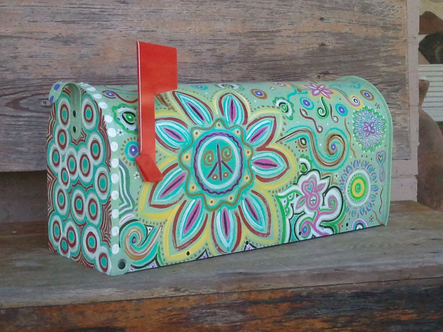 hand painted mailbox designs. Fun, Funky Painted Mailbox Hand Designs I