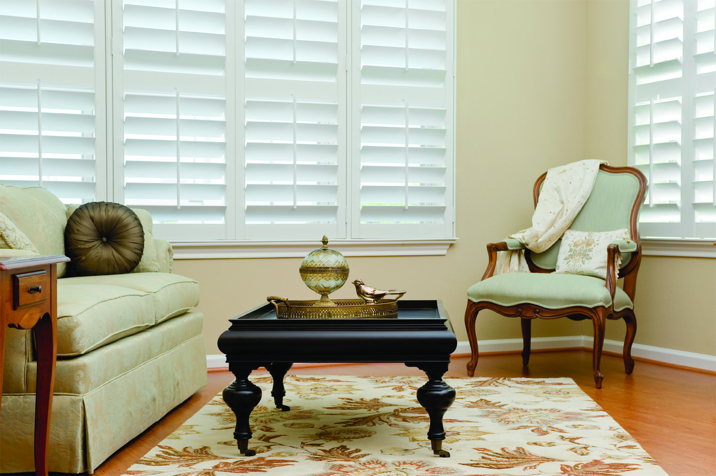 Window treatment options: shutters. Architecture accents: trim, crown molding.
