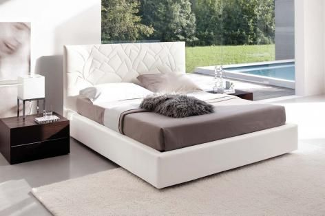 Loto leather bed
