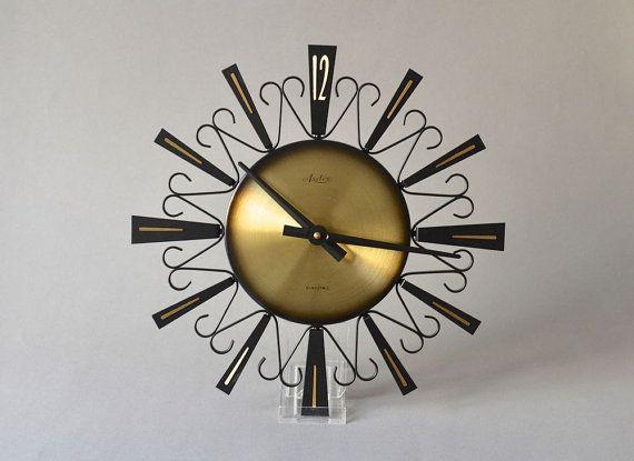Orologio vintage ottone R.f. parete orologio di MightyVintage, €150.00