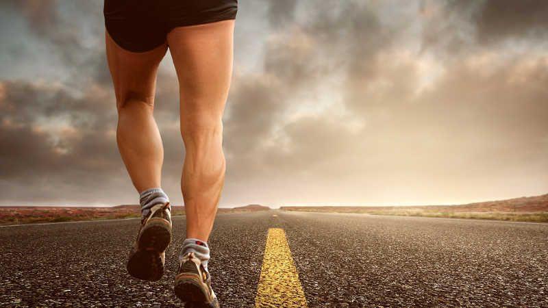 Perché quando corriamo ci fanno male le gambe?