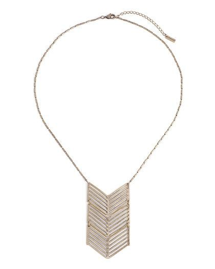 Pretty statement necklace to toss over a simple tshirt or layer with some long pendants!