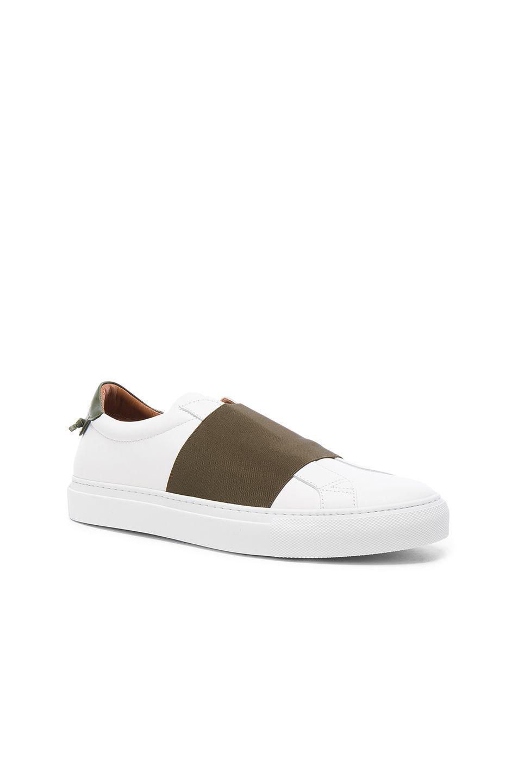 Footaction À Vendre Urban Leather Slip-on Sneakers - WhiteGivenchy Réduction Avec Paypal boutique Gros Prix Pas Cher Sneakernews Libre D'expédition oQdCM
