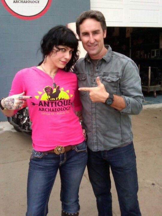 Is danielle dating mike on american pickers