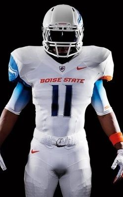 f2602c7fd The 25 Coolest Uniform Combos of the 2011 College Football Season ...