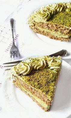 Torta al pistacchio con crema al mascarpone e bagna al rhum | Torte ...