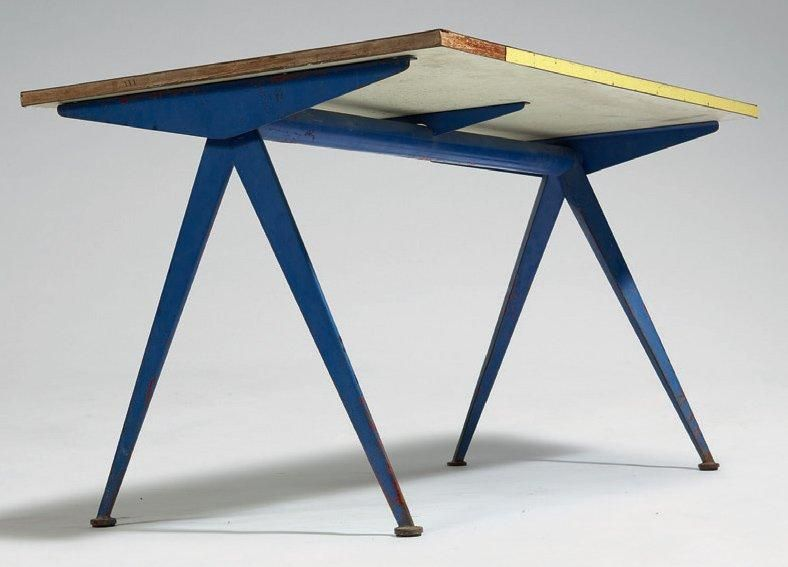 Extraordinaire Jean PROUVÉ Table compas Table à piétement métallique et plateau VX-21