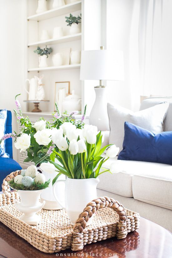 Easy DIY Spring Decor Ideas for Your Home that include using color, adding fresh greenery & flowers, and of course, a few bunnies! #diy #springdecor #easterdecor