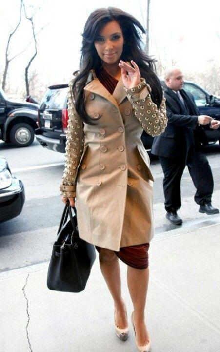 49e85d02e298 Kim Kardashian wearing Burberry Possum trench coat