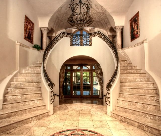 Best A Grand Entry Double Spiral Staircase In This Paradise 640 x 480