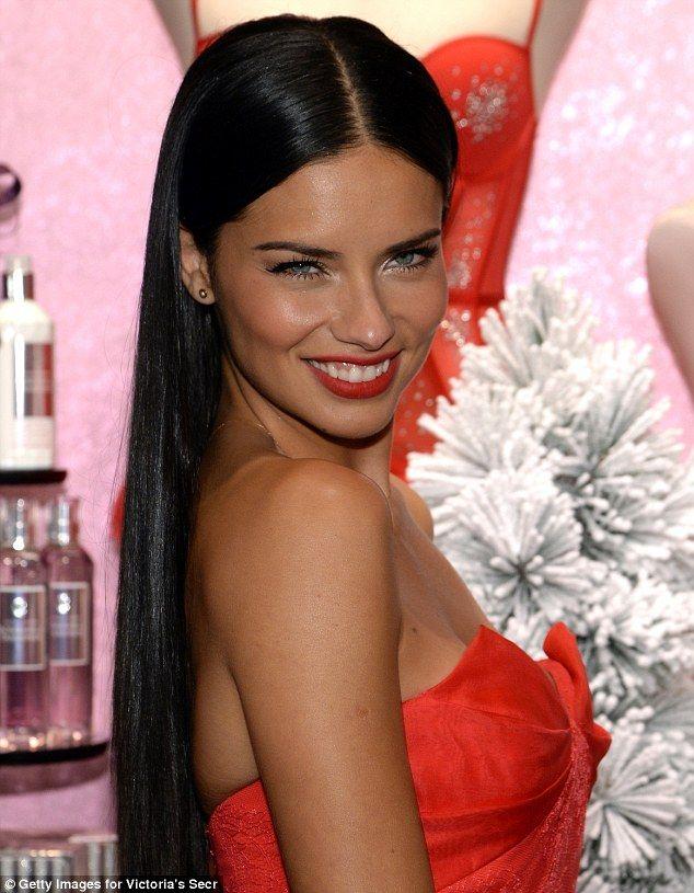 3520da0def6 Adriana Lima treats daughter Valentina to elaborate Miami birthday ...