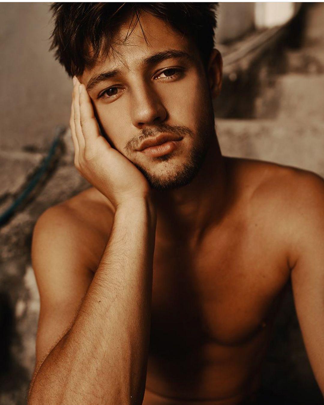 Polubienia 248 Komentarze 4 Cameronsmood Na Instagramie He S So Beautiful Wth Cameron Dallas Shirtless Cameron Dallas Photoshoot Cameron Dallas