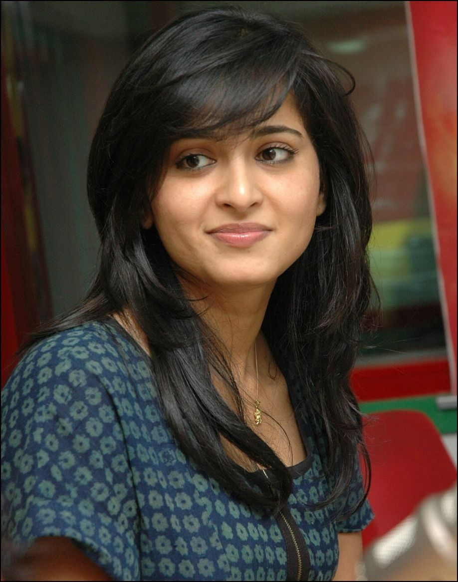 Different Haircuts For Indian Women Anushka Shetty Pinterest