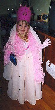 Prinsessa í heimatilbúnum búning 2003