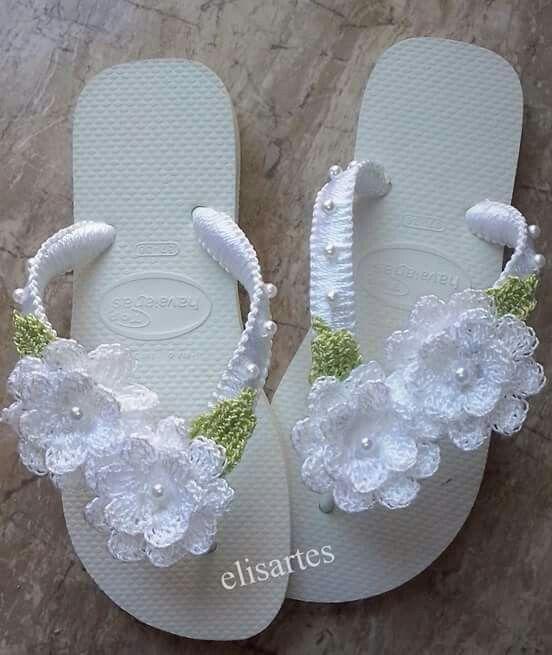 White Crochet flip flop … | Pinteres…
