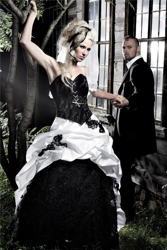 Neues Titelthema bei www.designer-brautkleider.com Brautkleider mit ...