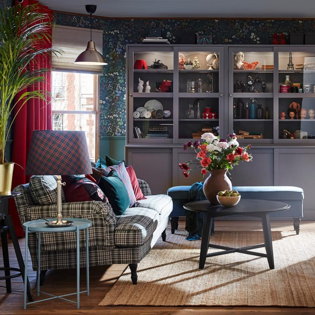 Get Home Design Ideas: Make Your Living Room Center Stage This Holiday Season