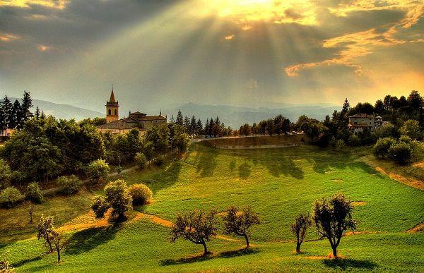 Photo of the hills of Emilia Romagna, Italy