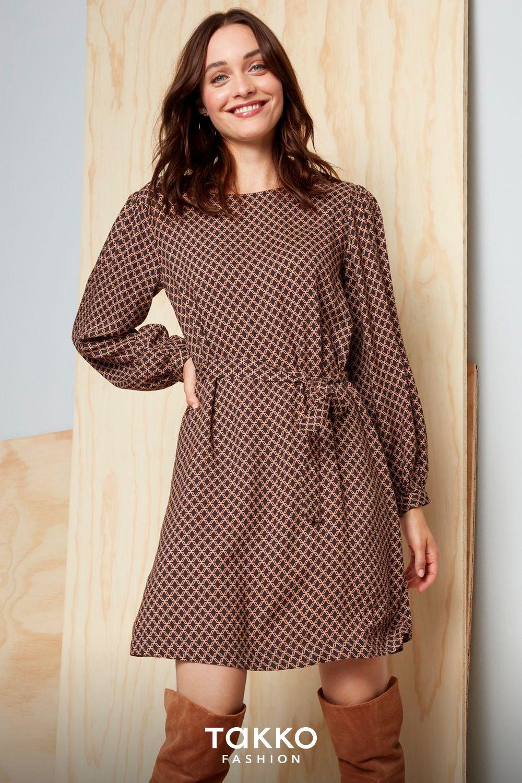 günstige damenmode | kurzes kleid mit grafischem muster für