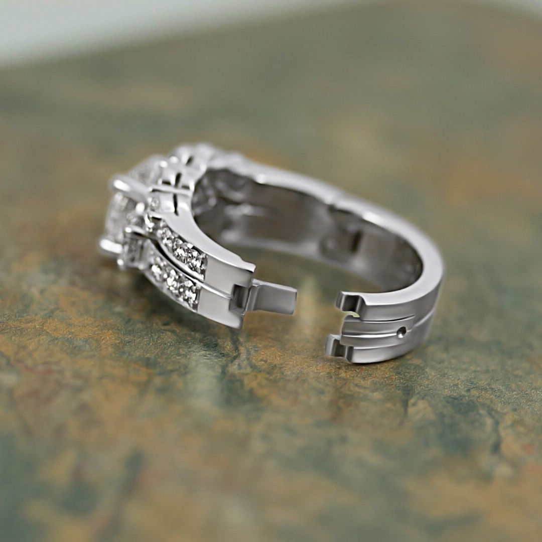 You Can Combine Your Wedding Band And Engagement Ring Into One Piece With Cliq Weddingset Platinum