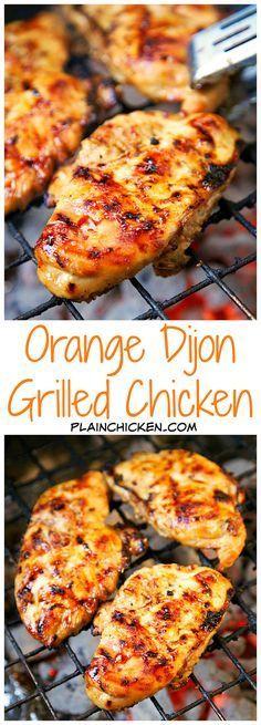 Recette de poulet grillé à l'orange et à la dijonnaise - poulet mariné dans du jus d'orange frais, de la cassonade, de la moutarde de Dijon, de l'ail et du vinaigre de cidre de pomme - fantastique ...