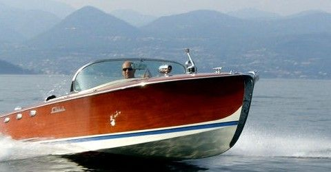 a-bmw-vintage-boat-to-set-a-standard-in-boat-auctioning