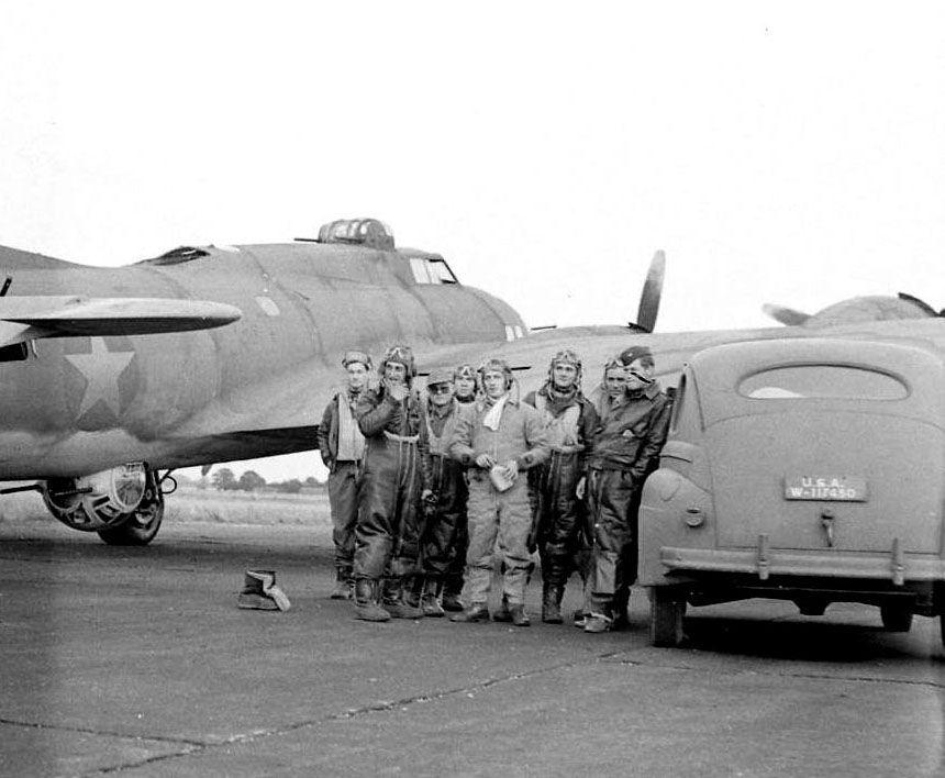 Bomber Crew. 97th Bomb Group, England 1942