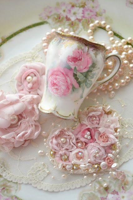 dulce alegr a shabby chic pinterest maison de bonbons romantisme et vaisselle porcelaine. Black Bedroom Furniture Sets. Home Design Ideas